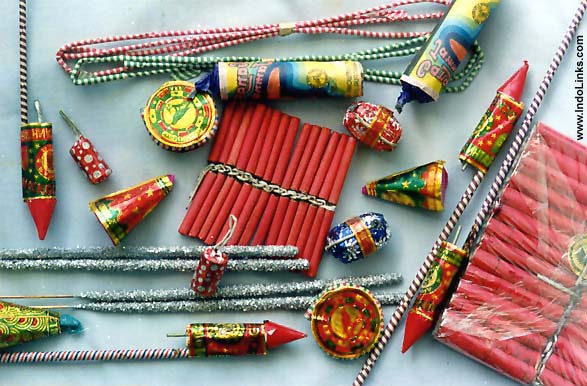 http://www.indolinks.com/websights/diwali/crackers1.jpg